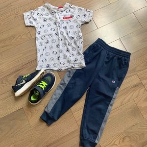 Boy's outfit size 5/6.